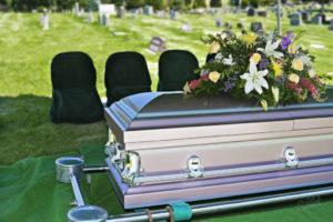 Что запрещено класть в гроб покойнику